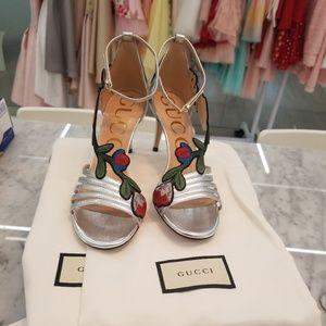 Silver Metallic Gucci Ophelia Heels